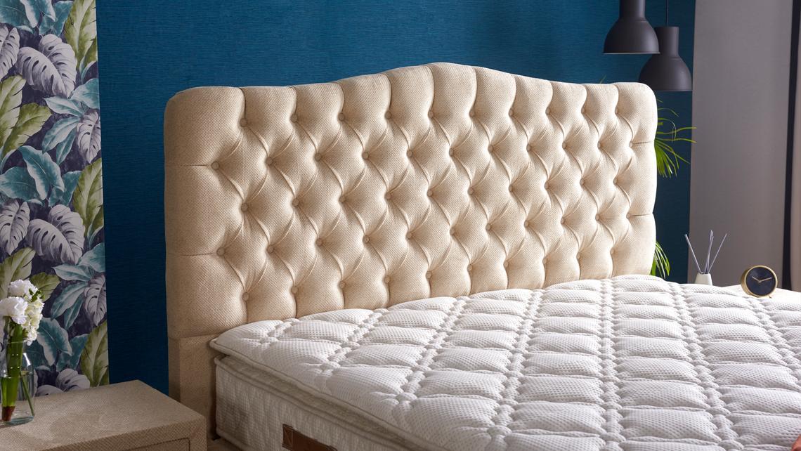 Baza de pat cu tablie si saltea Gold Homs 200× 200 cm